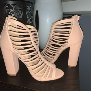 🔥 Sexy Taupe Caged Ankle Booties Sz 8